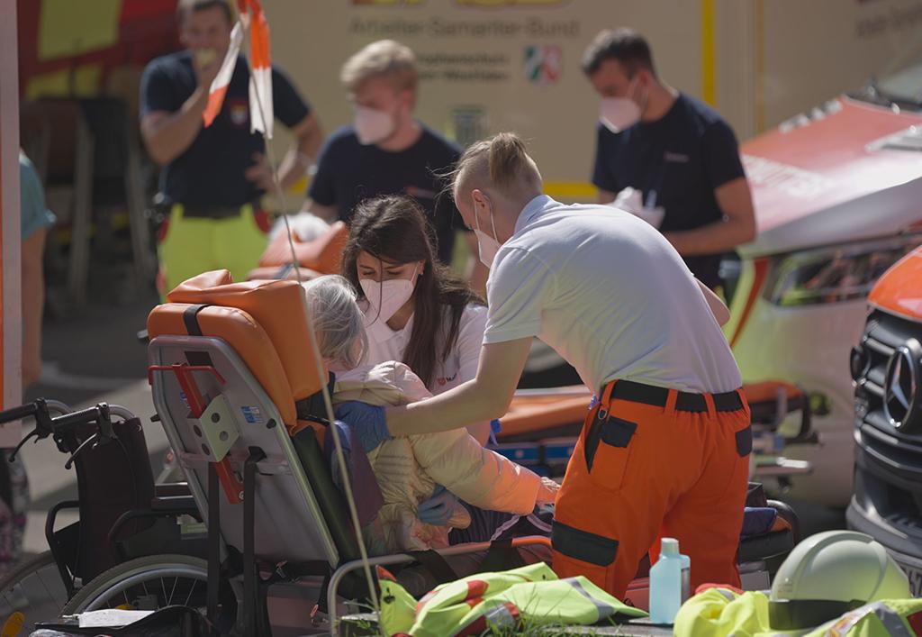 Evakuierung_Seniorenheim.jpg