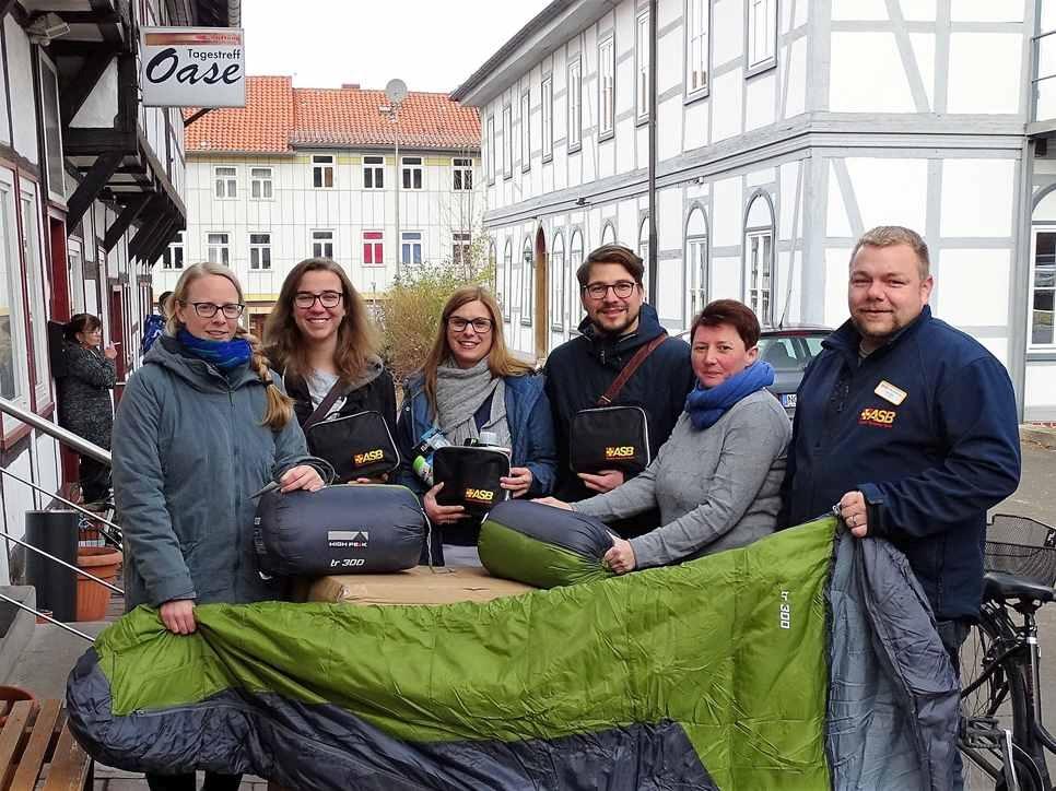 ASB-Kältehilfe-2018-ASB-Northeim-Osterode-Schlafsäcke-dür-Obdachlose-2.jpg