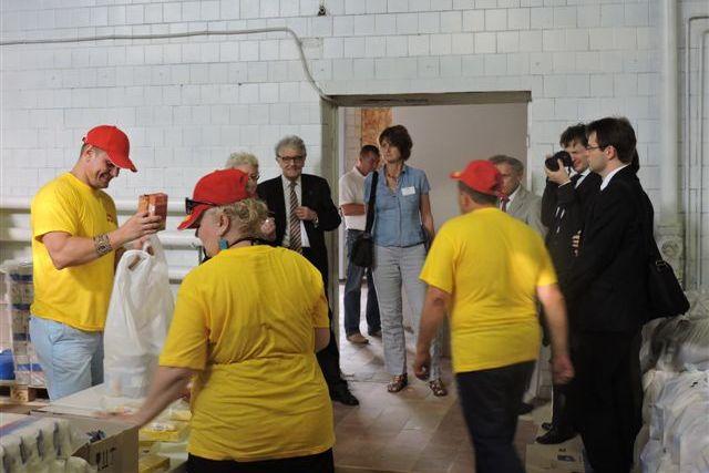 christoph-straesser-besucht-ssu-freiwillige-in-ukraine.jpg