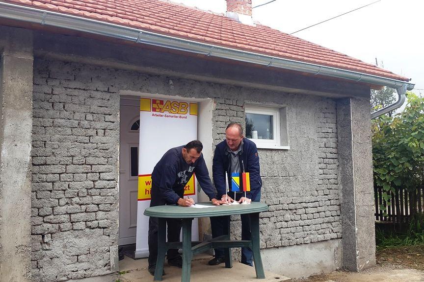 Wiederaufbau von Häusern in Bosnien-Herzegowina nach dem Hochwasser auf dem Balkan