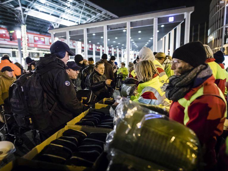 ASB setzt Kältehilfeaktion fort: 2.500 Schlafsäcke für Obdachlose