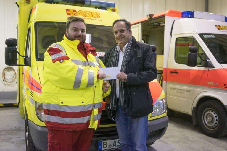 ASB-Bundesvorsitzender Knut Fleckenstein besucht Rettungskräfte
