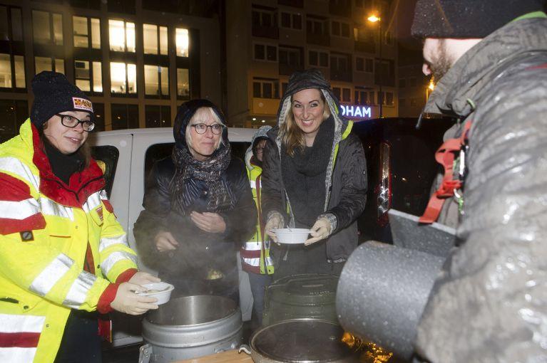 ASB verteilt nochmals Schlafsäcke und Suppe an Obdachlose